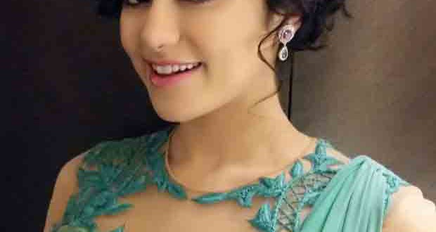 Adah Sharma Cute Pics