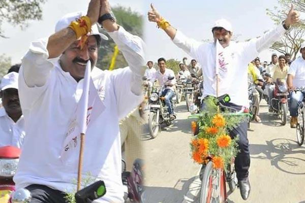 balakrishna-unmatched-energy-cycle-ride-for-lepakshi-uthsavam_b_2402160938
