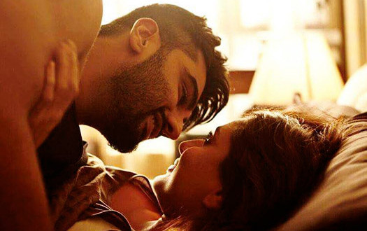 Pic of the Day – Kareena and Arjun Kapoor looks Hot