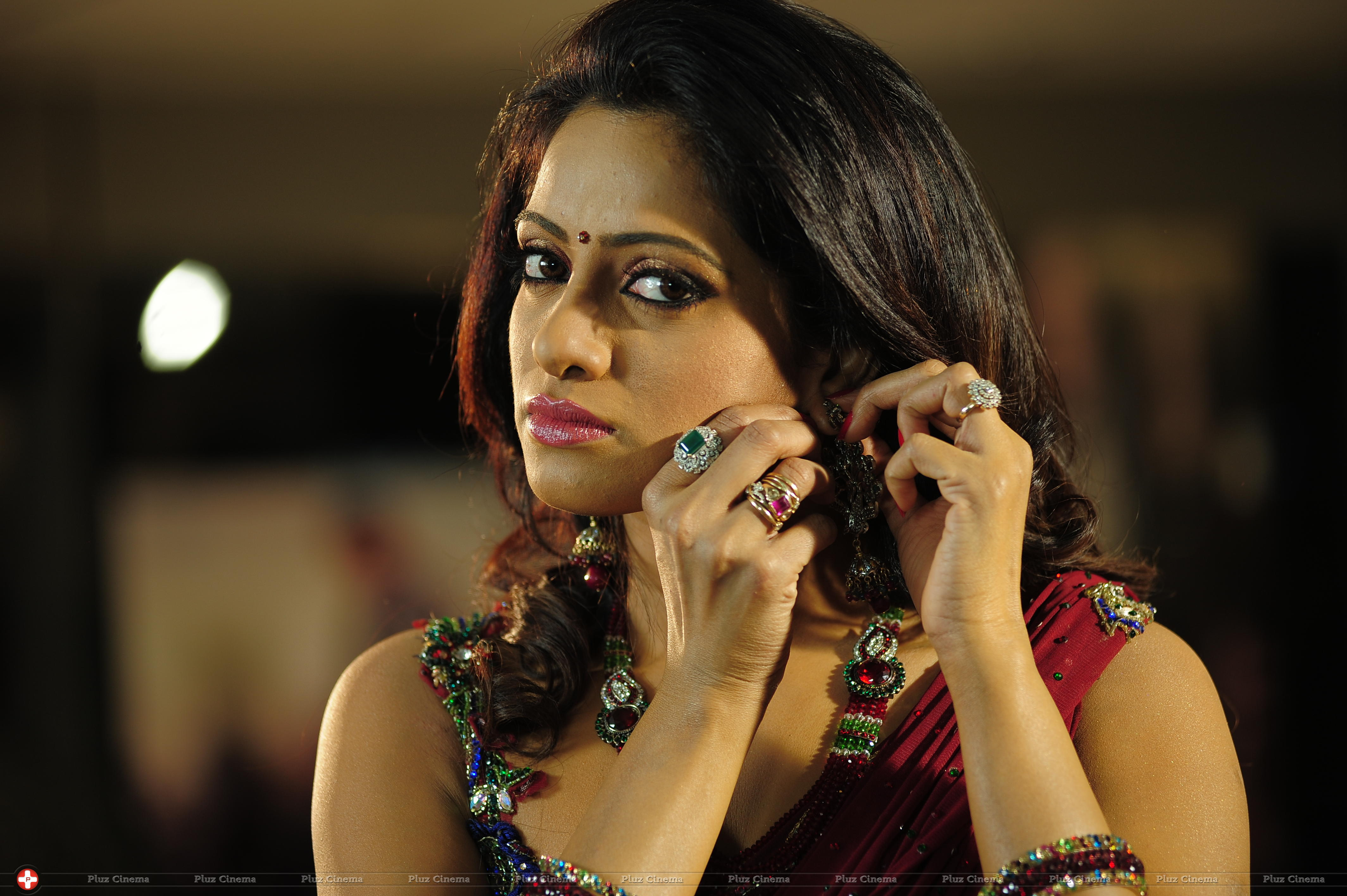Madhumati_Movie_New_Stills-2013-02-09 16.40.00.jpg-795b081b34adea68bb9c6fa05c947976