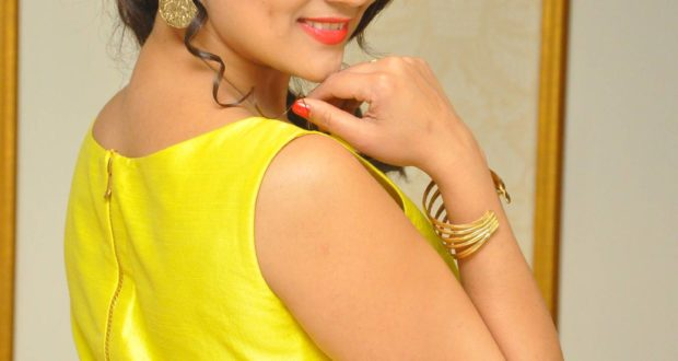 Manjusha looking gorgeous in yellow Outfit | Photo-shoot