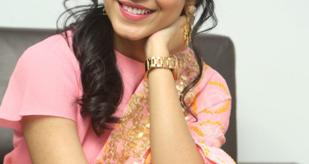 Photo Shoot : Reethu Varma looking beautiful in Pink