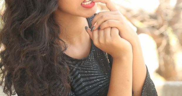 New Actress pavani photo-shoot stills